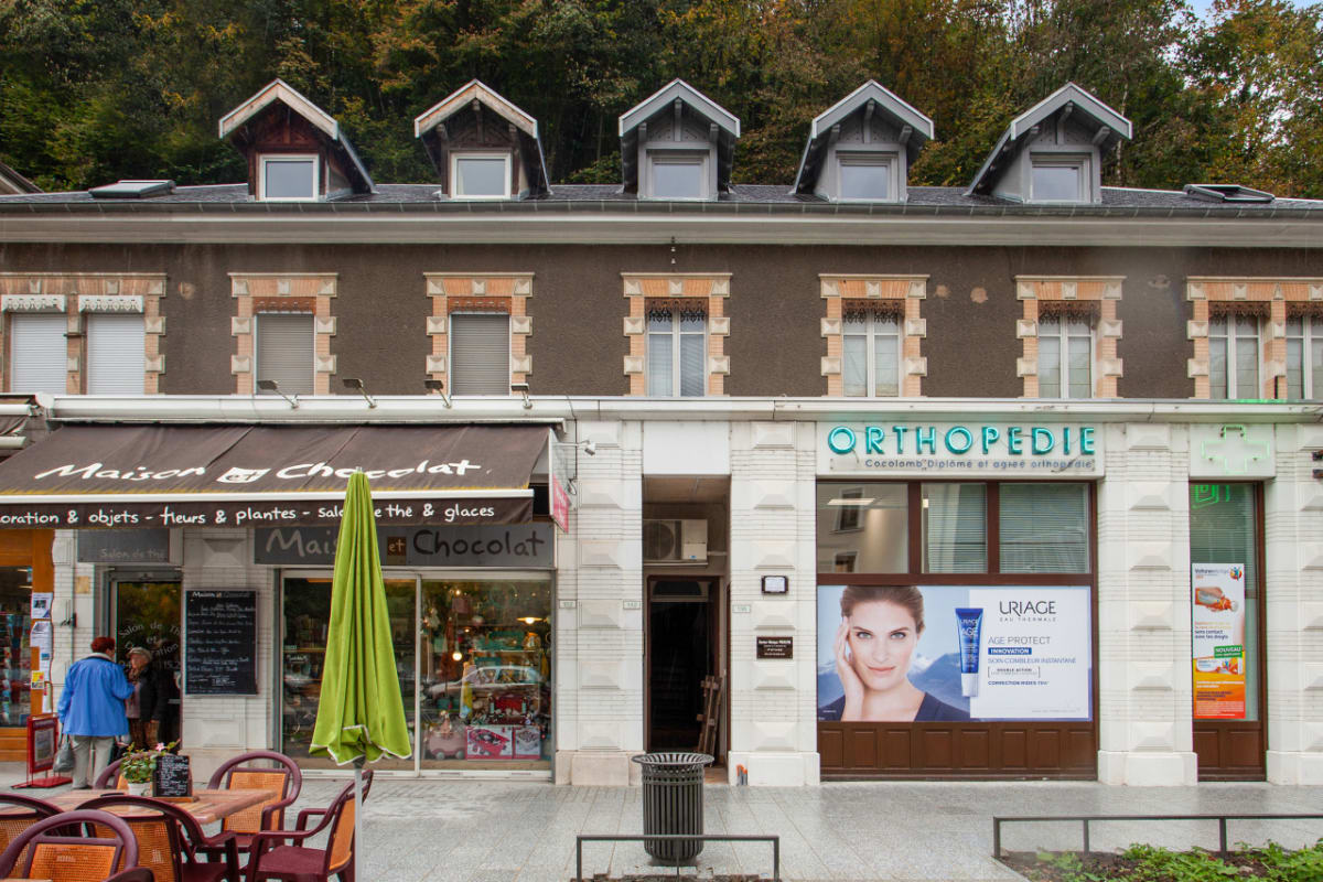 Maison Et Chocolat Uriage Les Bains 4**** flat with terrace at the heart of uriage, ideal for