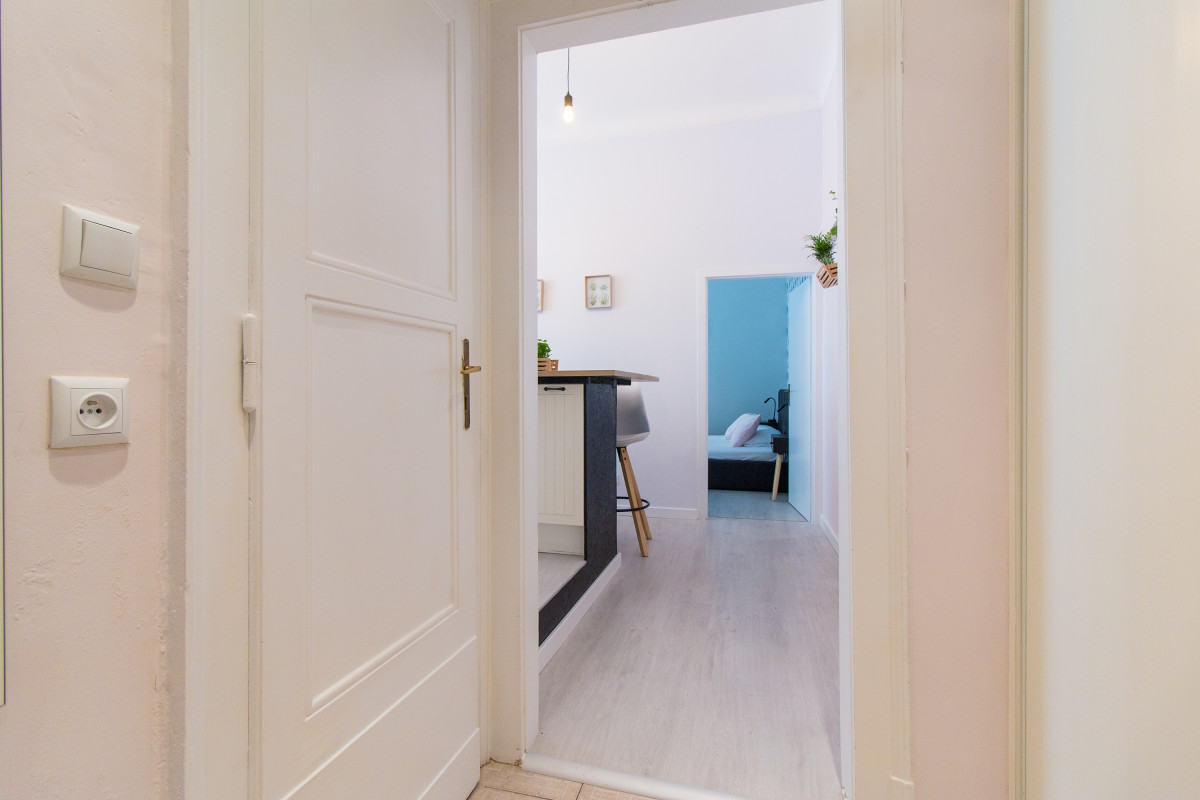 Apartment for 6 next to the Main Train Station by easyBNB photo 5722438
