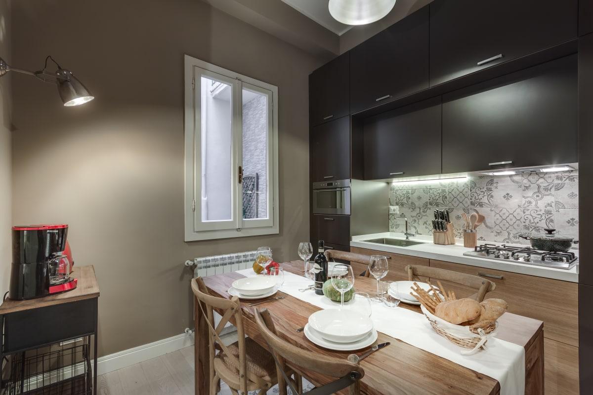 GIGLIO COURTYARD - Duomo Stylish Apartment! photo 20288556
