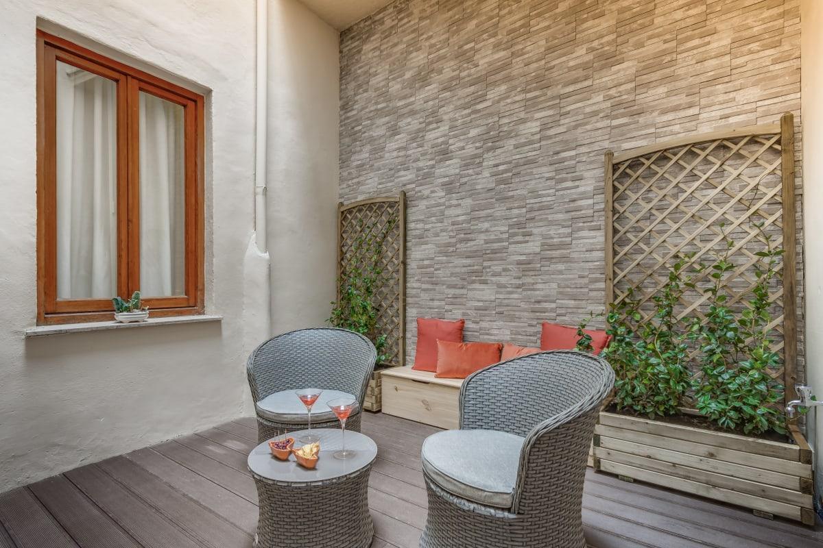 Apartment GIGLIO COURTYARD - Duomo Stylish Apartment  photo 20288568