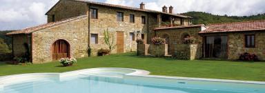 Vacker restaurerad villa med panoramautsikt