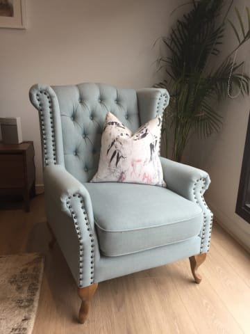 Nottage armchair porcelain blue 01