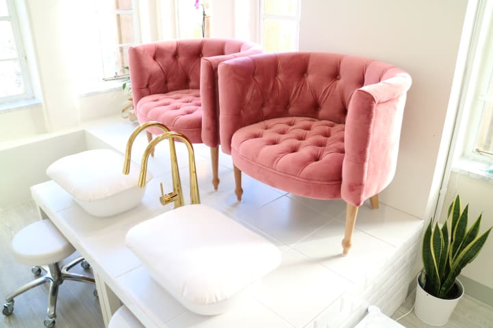 Helene tub chair blush pink 01