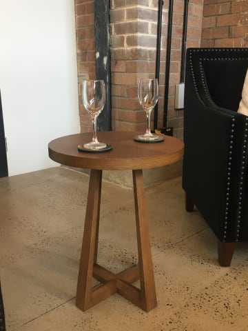 Parc end table 01