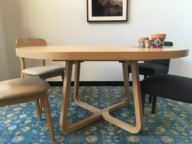 Romulus extendable dining table 01