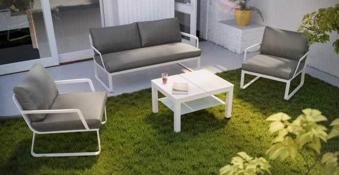 Lummus Outdoor Fold-Up Coffee Table