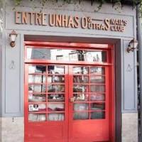 ENTRE UNHAS & OUTRAS ESMALTERIA