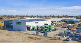 Factory, Warehouse & Industrial commercial property for sale at 140 Western Highway Horsham VIC 3400