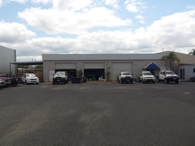 Showrooms / Bulky Goods commercial property for lease at Unit 3 , 197 Kent Street Rockhampton City QLD 4700