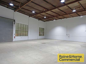 Showrooms / Bulky Goods commercial property for lease at 26 Jeays Street Bowen Hills QLD 4006