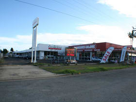 Showrooms / Bulky Goods commercial property for lease at 109-111 Anderson Street Manunda QLD 4870