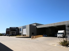 Factory, Warehouse & Industrial commercial property for lease at 122 Castro Way Derrimut VIC 3026