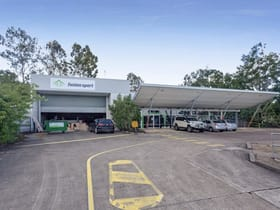 Showrooms / Bulky Goods commercial property for lease at 76 Neon Street Sumner QLD 4074