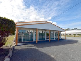 Factory, Warehouse & Industrial commercial property for lease at 14 Neil Street Clinton QLD 4680
