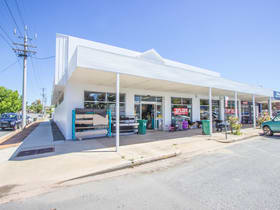 Showrooms / Bulky Goods commercial property for sale at 10-12 Bolton Street Narrandera NSW 2700