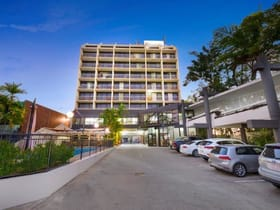 Hotel, Motel, Pub & Leisure commercial property sold at 86 Victoria Parade Rockhampton City QLD 4700