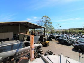 Showrooms / Bulky Goods commercial property for sale at 377 Taylor Street Wilsonton QLD 4350