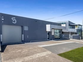 Showrooms / Bulky Goods commercial property for lease at 5 Thompson Street Bowen Hills QLD 4006