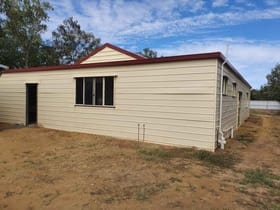 Factory, Warehouse & Industrial commercial property for sale at 28 Ivy Street Blackall QLD 4472