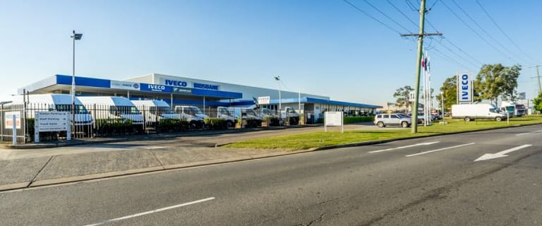 Showrooms / Bulky Goods commercial property for lease at 1805 Ipswich Road Rocklea QLD 4106