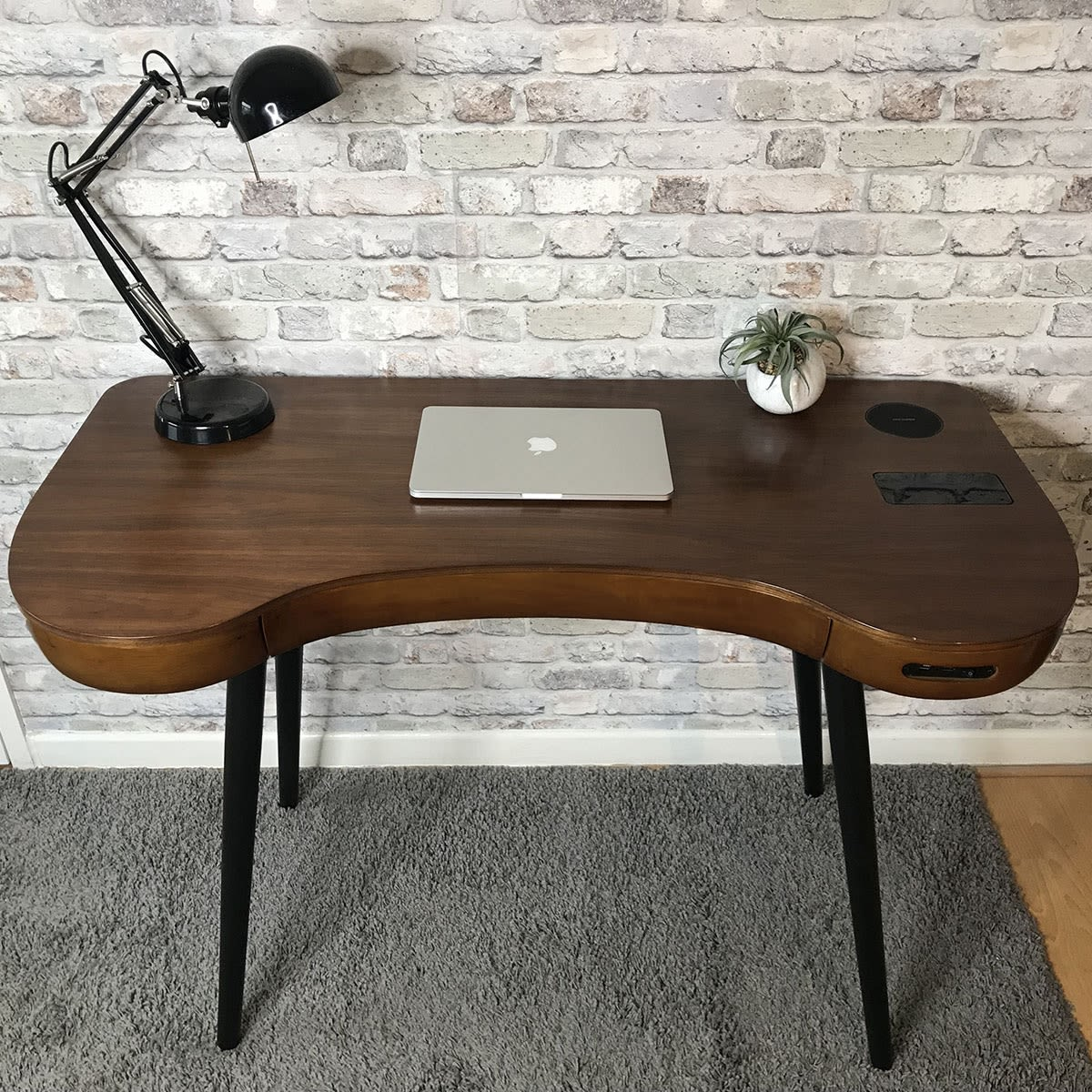Smart furniture for the home office