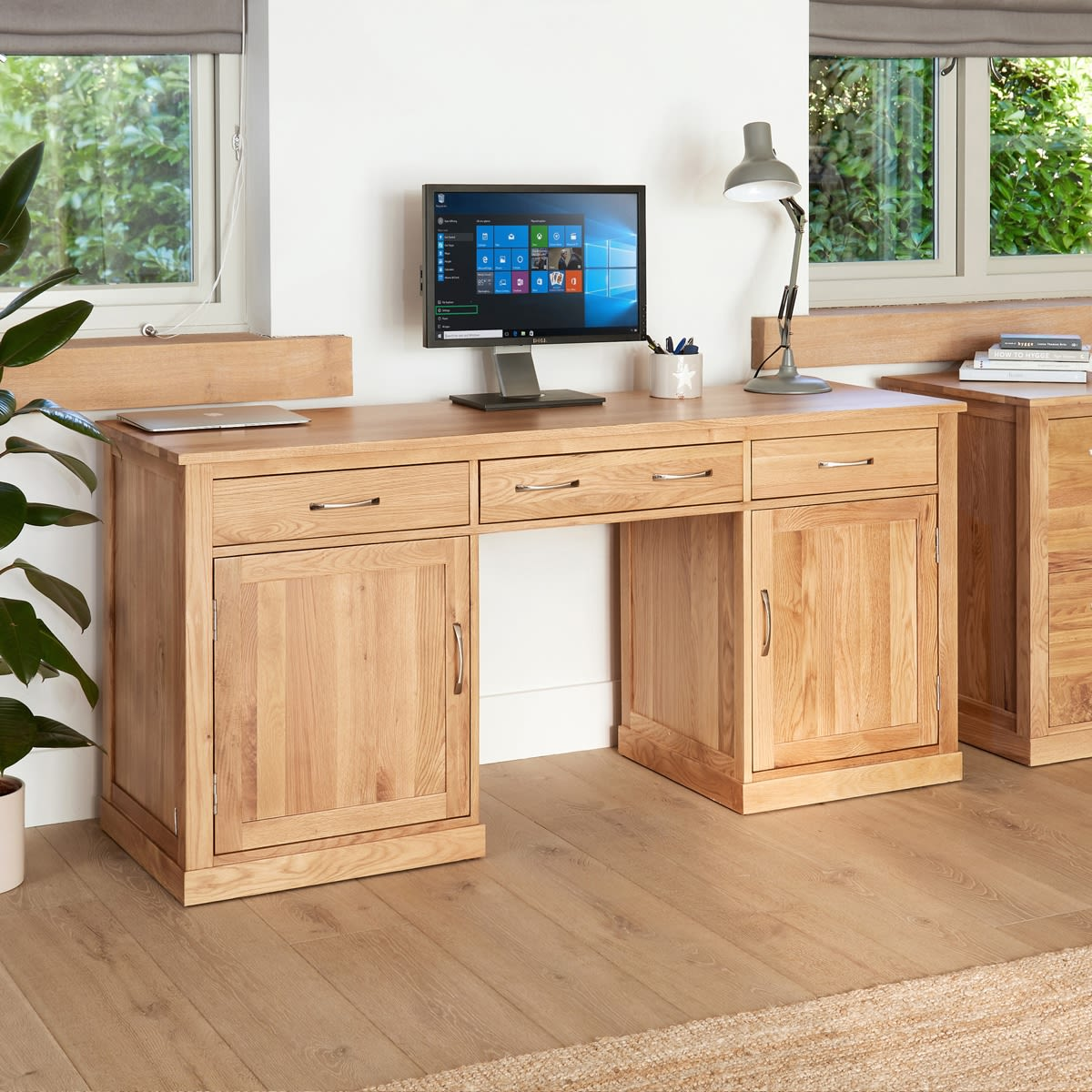 Www Furniturestore Com: Mobel Oak Large Hidden Office Twin Pedestal Desk