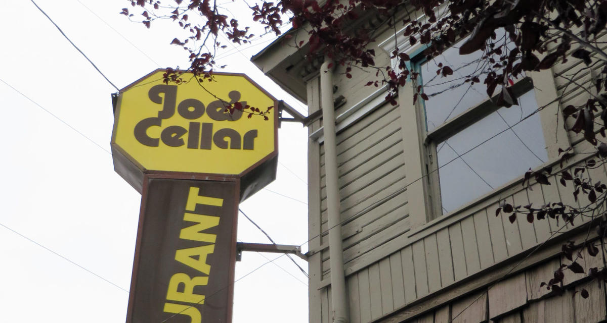 Top 10 Portland Dive Bars