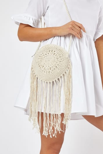 WHITE CROCHET CIRCLE TASSEL BAG