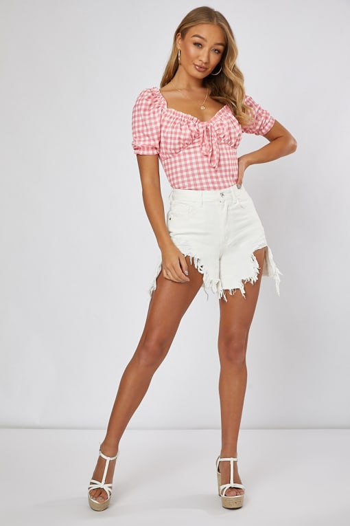 INDIRRA WHITE EXTREME FREYED HEM DENIM SHORTS