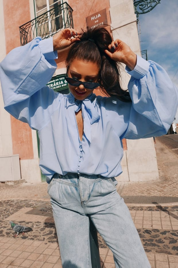 LORNA LUXE 'DREAM SLEEVES' BUTTON DETAIL BLUE BLOUSE