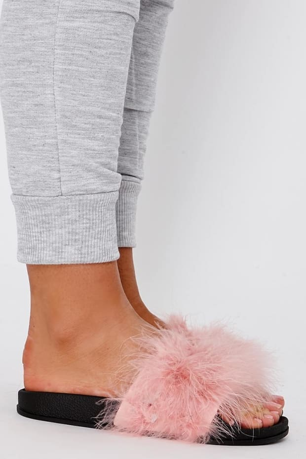 KARRIANA BABY PINK EXTREME FLUFFY SLIDERS. Previous 243ebe248e8cb
