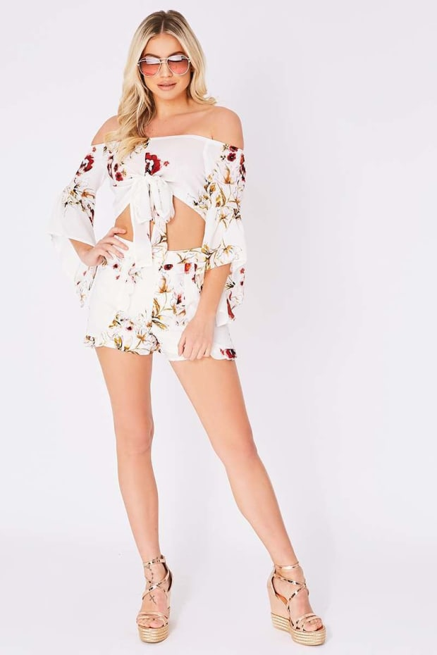 LUCILLA WHITE FLORAL FRILL DETAIL SHORTS