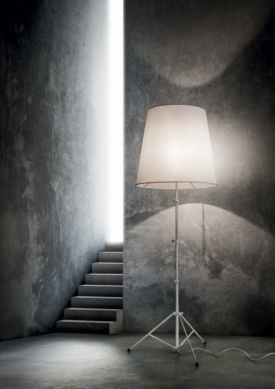 Gilda: Floor lamp available in different versions