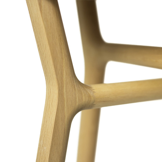 Affi: Stool in solid wood