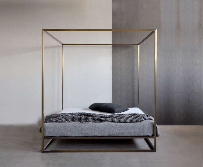 Ashabrass Baldaquin : Canopy bed available in different sizes and colours