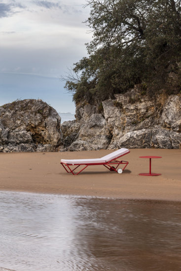 Barceloneta: Sun lounger available in different finishings