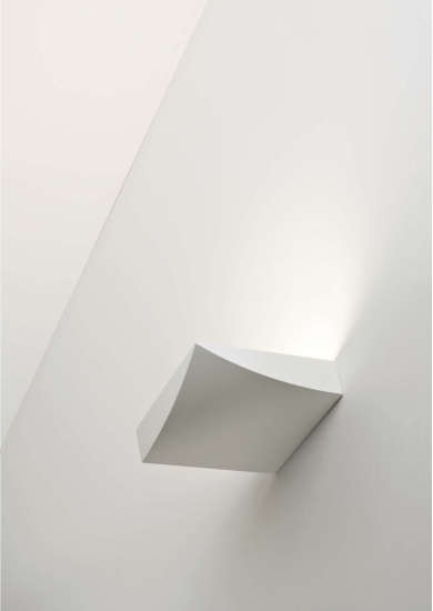 Lembo W1: Wall lamp L 210 mm W 210 mm H 55 mm in different finishings