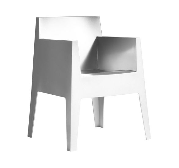 Toy: Armchair available in different finishings
