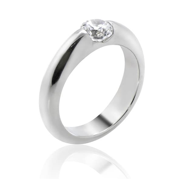 แหวนทอง 18K ประดับเพชร น้ำหนักรวม 0.50 กะรัต ค่าสี E ค่าความสะอาด VS2 EX/EX/EX เพชรมาพร้อมใบรับรองจาก GIA