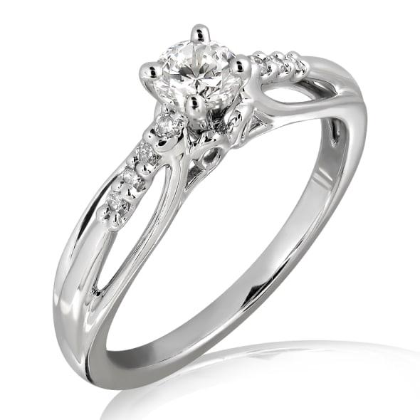 แหวนทอง 18K ประดับเพชร น้ำหนักรวม 0.40 กะรัต ค่าสี E (น้ำ 99) ค่าความสะอาด VS2