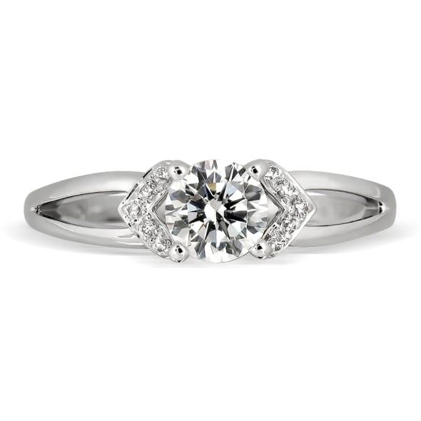 แหวนทอง 18K ประดับเพชร น้ำหนักรวม 0.35 กะรัต ค่าสี E ค่าความสะอาด VVS2