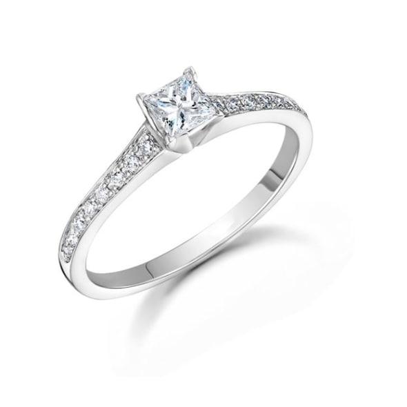 แหวนทอง 18K ประดับเพชร น้ำหนักรวม 0.26 กะรัต ค่าสี G ค่าความสะอาด VS
