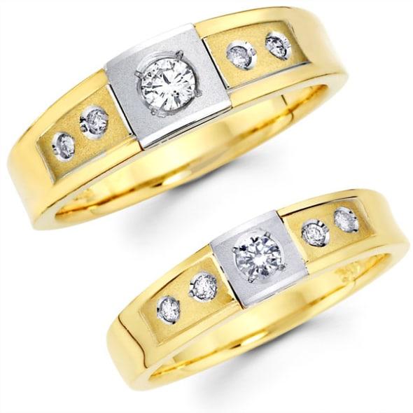 แหวนทองคู่รัก 18K ประดับเพชร น้ำหนักรวม 0.40 กะรัต ค่าสี E ค่าความสะอาด VS