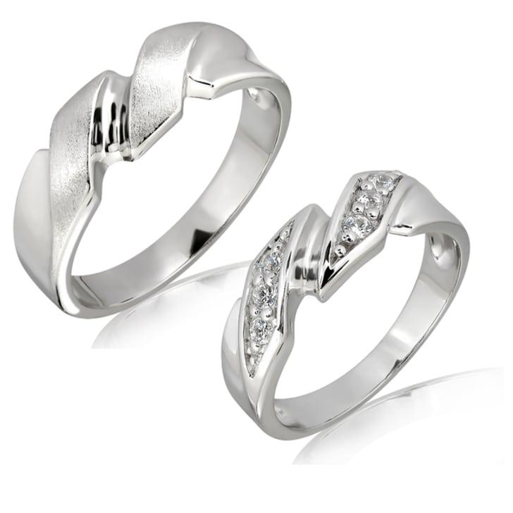 แหวนทองคู่รัก 18K ประดับเพชร น้ำหนักรวม 0.12 กะรัต ค่าสี E ค่าความสะอาด VS