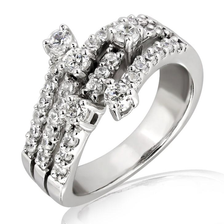 แหวนทอง 18K ประดับเพชร น้ำหนักรวม 1.00 กะรัต ค่าสี E ค่าความสะอาด VS