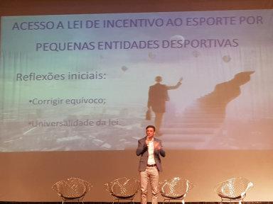 Joacabense integrante do Conselho Estadual de Esporte apresenta projeto da AJOV em Seminário