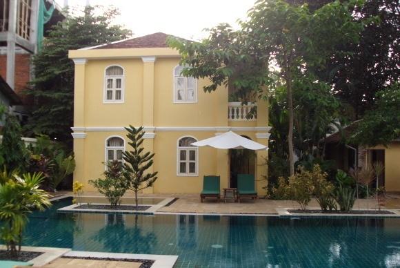 Stay in the La Villa Hotel which features fine art deco furniture