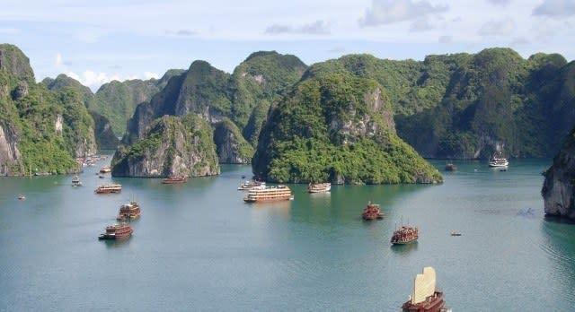 Ein Höhepunkt Ihrer Vietnam Reise: Die ikonische Halong Bucht