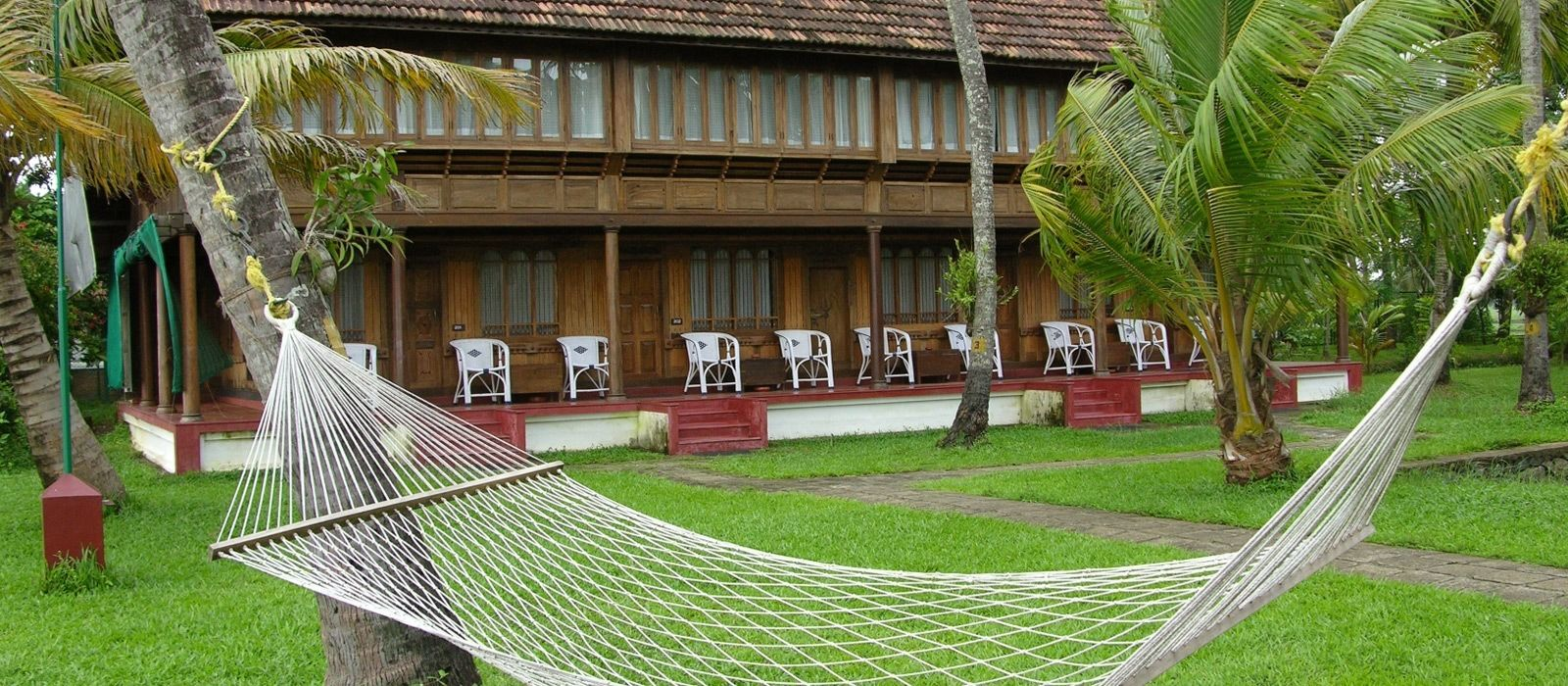 Hotel Coconut Lagoon South India
