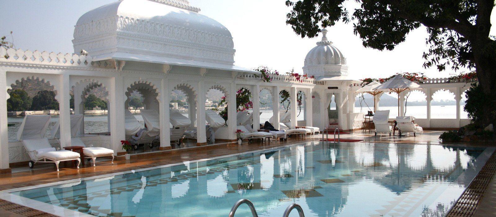 Hotel Taj Lake Palace North India